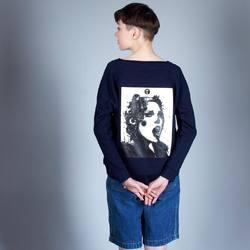 «Pins» by Nikita Kaun  Этот принт стал одним из наших фаворитов и в этом сезоне вы сможете найти больше вариаций такого изображения - на футболках, худи и свитшотах, на спине и на груди. Каждый найдёт то, что ему по душе. Все вещи сделаны из органического хлопка, если в составе присутствует полиэстер, то это всегда переработанный материал. Мы следим за качеством и за тем, чтобы вся одежда, представленная в нашем магазине, отвечала требованиям экологичности.   О наличии моделей с данным принтом уточняйте у продавца. В магазине так же в ограниченном тираже представлены футболки с эксклюзивной ручной вышивкой, успейте забрать свою!  #freelabelme #органическийхлопок #orfaniccotton #ecofashion #экологичнаямода #переработанныематериалы