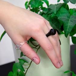 Уникальные кольца от студии @78.glass   Кольца и подвески из боросиликатного стекла, эксклюзивно представлены в нашем магазине Freelabel в Новой Голландии. Каждое изделие уникально и ждёт своего владельца. Успей найти своё украшение!  #freelabelme #78glass #newhollandisland #jewellery #rings #этостекло #organicclothes